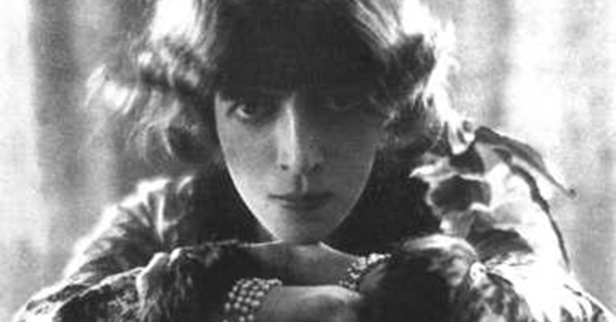 Pearls with Luisa Casati