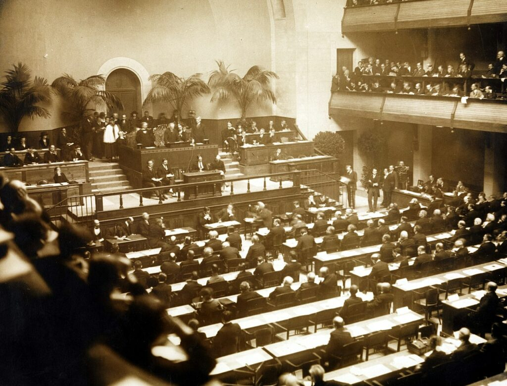 a photo of the first meeting of the Assembly of the League of Nations took place on 15 November 1920 at the Salle de la Réformation in Geneva